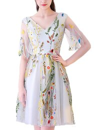 Wholesale Floral Embroidery Short Prom Dresses - Fashion Short Party Dresses Short Sleeve V-Neck 2018 Floral Embroidered Flower Ball Gowns Prom Dress Evening Formal Dress Robe De Soiree ..