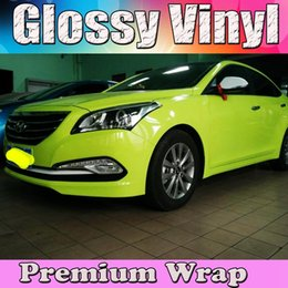 Wholesale Wrapping Car Gloss Green - fluorescent yellow Glossy Car Wrap Film With Air BUBBLE Free Shiny Gloss pale green Car stickers size 1.52x30m Roll (5ftx98ft)