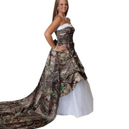 Wholesale Unique Brides - 2015 Modest Unique Plus Size Camo Wedding Dresses Sweetheart Lace up Back Tiers Tulle Detachable Train Realtree Brides Ball Gown