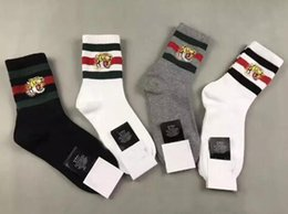 Wholesale Red Shopping - men designer socks tiger head embroidered 2 white 1 balck 1 grey with original box shopping bag unisex cotton sport socks 4pairs box