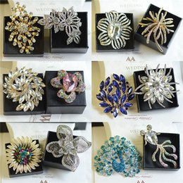 Wholesale Corsage Brooch Women - mix designs high quality silver gold alloy pin brooches crystal pearl corsage brooch women jewelry wt