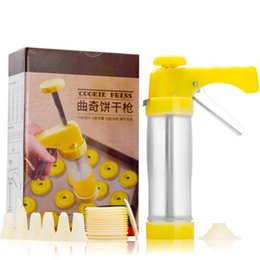 Wholesale Cookies Press - Cookie Mold Press Gun 16 Flower Mold 6 Pastry Tips Biscuit Cookie Cutter DIY Cake Cookie Making Machine LJJO3695