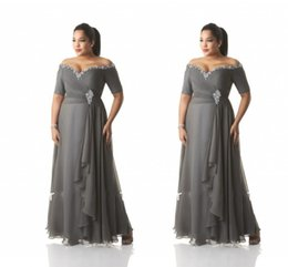 Wholesale Taffeta Long Dress Grey - Plus Size Chiffon Grey Mother Of Bride Evening Dresses Pleated Short Sleeves Beaded Crystal Women Gowns Floor Length