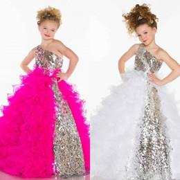 Le cristal mignon 2015 de paillettes mignonnes de volants un Pageant / robes de fille de fleur de fille de Tulle de ligne avec un décolleté d'épaule ? partir de fabricateur