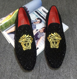 Wholesale shoes big rhinestones - 2018 New hot sell Suede hot drilling Arrivla Fashion Mens medusa Sheet metal kanye west Casual shoes free shipping big size 38-46 DHA32