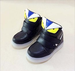 b395652da9618 2017 NEW style children s charging LED light shoes kids Nightclub dance  shoes boys and girls sneaker fashion sport casual shoes