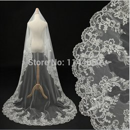 Wholesale Beaded Cathedral Veils Ivory - Cheap Ivory Beaded Crystals Lace Bridal Veils Fashion 2017 New 3 M Long Wedding Veils Under 10$