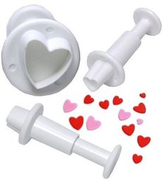 Wholesale Heart Fondant Cake - free shipping 3Pcs set Heart Plunger Mold Fondant Cake Cutter Decor Paste Tools Cookie Sugarcraft TY1683
