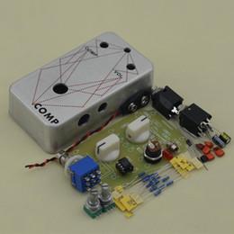 Effektpedalkompressor online-Gitarreneffekt Kompressor stampfen Pedal / Gitarren-Effektpedal Wahrer Bypass-Gitarreneffekt, der Aluminiumkasten kit + Free VERSCHIFFT