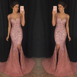 2019 vestidos inspirados oscars Pink Rose luxo Bling V Neck Mermaid Formal Prom Vestidos cristal frisado Pageant Vestido major Beading Dividir Varrer Vestido Train Wear