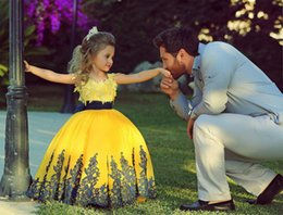 Wholesale Girls Formal Pagent Dresses - 2015 Cute Ball Gowns Yellow Lace Applicue Custom Made Flower Girls Pagent Dresses Full Length Girls Toddler Kids Party Birthday Formal Tutu