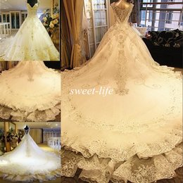Discount backless wedding dress veils - Luxury Vintage Wedding Dresses 2016 Bling Crystals Cathedral Train Lace Sheer V Neck Backless Spring Church Bridal Wedding Gowns Free Veil