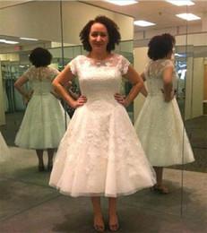 Wholesale Tea Length Wedding Dresses Keyhole - Vintage Lace Applique Tea Length Plus Size Wedding Dress 2017 Sheer Neckline Keyhole Beach Bridal Gowns Cap Sleeves Vestido De Novia