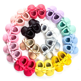 Wholesale Bebe Sizing - 2016 Colorful Solid Pu Baby Boys Shoe baby moccasins Girls Boots Bebe First Walkers Toddler Shoes Hot Sale