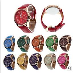 Canada Montre de luxe de Genève Montre Chiffres romains Montres Faux cuir Coloré unisexe quartz Exquise montre-bracelet pour hommes Offre