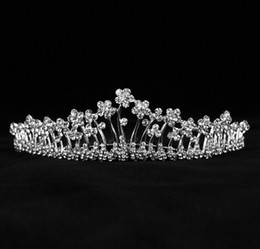 Wholesale Silk Wedding Flower Balls White - Bridal Accessories Kate Middleton Romatic Shiny Tiaras Bridal Hair Crystals Crowns Wedding Bridal Jewelry Fascinators free shipping