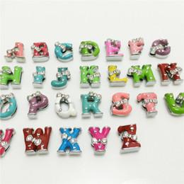Argentina Venta al por mayor 52PCS / Lot 8 MM Bowknot Colorized Letras de diapositivas A-Z Alfabeto DIY Encantos de diapositivas Fit 8 MM Pulseras Pulseras Cinturones Collares SL09 cheap collar for letters 8mm Suministro