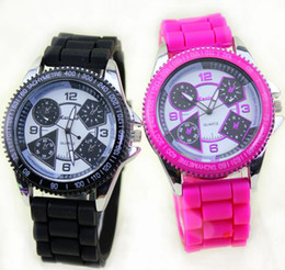 Wholesale Korean Male Models - Silicone GT racing Men's explosion models Korean fashion watches couple watches wholesale male and female students