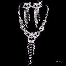 Wholesale Silver Plated Wedding Favors - Wholesale Discount Bling Crystal Jewelry Sets Wedding Favors Shoulder Chain Bridal Necklace Earrings Cheap Bridesmaid Christmas Gift 2016