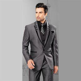 Wholesale Groomsmen Light Grey Suits - Mens Suits Slim Fit Peaked Lapel Grey Wedding Tuxedos For Groom 2017 Groomsmen Suits One Button 3 Piece Men Suit (Jacket+Pants+Vest)