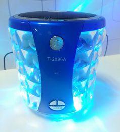 Kristall-spieldosen online-T-2096A Tragbare Bluetooth-Lautsprecher mit Crystal LED-Blitzlicht USB TF MP3-Musik-Player Stereo Hifi Mini Sound Box Freisprecheinrichtung für Auto-Anruf