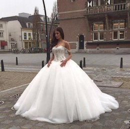 Wholesale Super Plus Size Wedding Gowns - New Luxury Sweetheart Ball Gown Super Fashion Wedding Dresses Lace Appliques Zipper Court Train Bridal Gowns Plus Size Garden Arabia