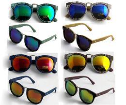 Wholesale Design Sun Glasses - Wholesale Gradient Sunglasses Men Women Brand Design Sun Glasses Vintage Retro Classic Oculos De Sol Gafas UV400 protection lens CE 2017