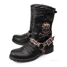 90c2e3ef597e7e 2019 schwarze stiefel schädel Mode Lässig Männliche Hohe Geniune Stiefel  Schwarz Leopard Schnalle Schädel Wrstern Stiefel