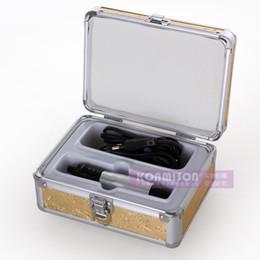 2019 dermatologieausrüstung Dermapen Microneedle Stift mit freier 12pins Nadel-Patrone 32pcs elektrischer Derma Stempel-Fachmann für Salon-Gebrauchs-Schönheits-Gesichtsderma Pen