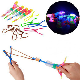 Wholesale Led Helicopter Slingshot - Novelty Kids LED Flying Toys Biggest Size Slingshot Amazing Arrow Helicopter for Birthday Party Supplies YH004