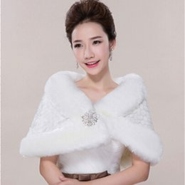 Wholesale Wedding Dresses Matching Jackets - Warm Ivory Matching With Wedding Dresses Wrap Winter Protection Bridal Decorations Faux Fur Bridal Shawl Suitable For Various Gowns Boleros