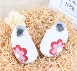 Wholesale Cute Soles - Wholesale New Arrival Color Pattern Cute Unisex Baby Shoes Genuine Leather Soft Sole Skid-Proof Kids Shoes First Walkers