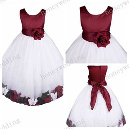 white princess bridesmaid dresses Coupons - hotest Flower Girl Dress round Neck A-Line Princess dress Handmade petal Bowknot trim Girls Ball Gown Junior Bridesmaid Dresses(12 colors)