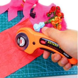 Wholesale Rotary Cutter For Fabric - 1pc Orange rotary cutter 45mm diameter Patchwork cutter tool for easy cutting fabric needlewrok tool crafts tool#EC059 order<$18no tracking