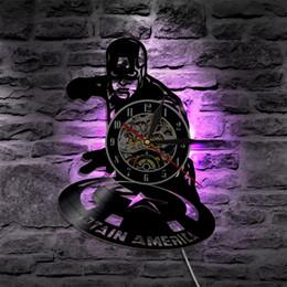 Super Hero Captain America ha condotto l'orologio della parete di orologio del vinile della luce di cambiamento di colore regalo fatto a mano della lampada della decorazione di arte del regalo cheap captain america lamp da lampada capitano america fornitori