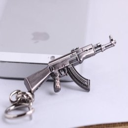 Schlüsselanhänger kreuz feuer online-Game Kette Querfeuer 65mm Anhänger mit Waffe Modell Key CF Metal Keychain Ring Keying Key 30pcs / lot Gun Kunststoff AK47 Box Tettw