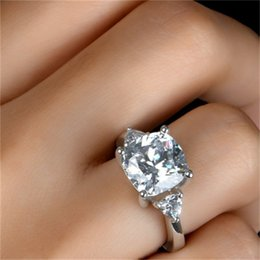 2021 sona sterling silber ring LESF Ehering Ring Superior Grad Sona Diamant Weißgold Farbe 925 Sterling Silber Ringe Für Frauen in Engagement Z1202 568 Q2