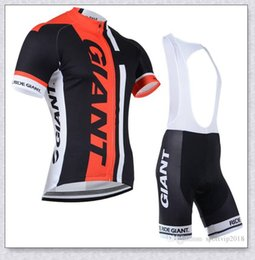 Terno raça gigante on-line-GIANT Team Men Cycling Jersey set Short Sleeve MTB Bike Outfits Bicycle Clothes Racing Shirt Bike Bib Shorts Suit Ropa Ciclismo Y21041020