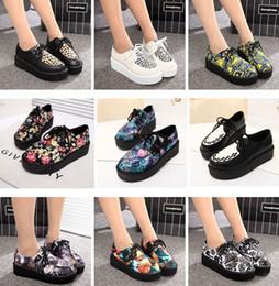2019 печатные обувные шнурки 2015 новая мода женщины весна осень британский гот панк Creepers квартиры печатных 16 стилей кружева up череп лодка обувь дешево печатные обувные шнурки