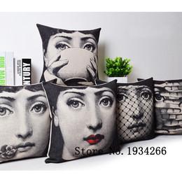 fundas de almohada hechas en casa Rebajas Al por mayor-2015 moda Vintage Fornasetti Art Beauty Face SKULL por encargo Funda de almohada negro y blanco caso Home hotel Pillowcas