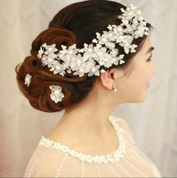 Wholesale Cheap Hair Accessories Free Shipping - SG051 White Flower Pearls Bride Tiaras & Hair Accessories 2016 Wedding Bride Headpiece Headband Fascinators Free Shipping Cheap Stock QM