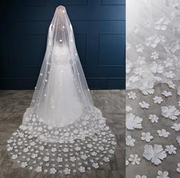 Wholesale Cutting Photos - Real Photos 3M White Ivory Long Wedding Veil With Comb Flowers Bridal Veil Wedding Accessories veu de noiva longo