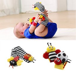 Wholesale Feet Toys - lamaze sock baby rattle baby toys Lamaze Garden Bug Wrist Rattle and Foot Socks Bee Plush toy toddler Infant toys