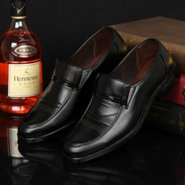 Wholesale Formal Dresses Office - leather shoes brand designer slip on black brown Italian formal dress loafers Male's Flats Outlets Men Casual Shoes Leather Mens Shoes