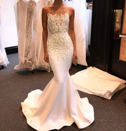 Wholesale Strapless Mermaid Wedding Gowns - Strapless Country Wedding Dresses Beaded Vestido De Noiva Lace 2017 Elegant Mermaid Wedding Gowns Custom Made