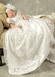 Wholesale Baby Christening Boys - Princess White Lace Baby Christening Dresses Kids Baptism Gowns Short Sleeves Vintage Baby Girls And Boys Christening Gowns