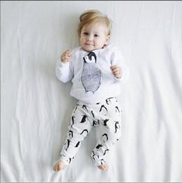 Wholesale Penguin Suits - Baby lovely INS cartoon penguin Suits 2016 new children Long sleeve T-shirt +trousers 2 pcs Suit cartoon pajamas Suits B001