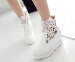 Wholesale Bridal Shoes Boots - Fall Winter Lace Wedding Shoes Bridal Boots Bridal Shoes White Sheer Wedding Ankle Boots with Buckle Cheap Girl Casual Shoes