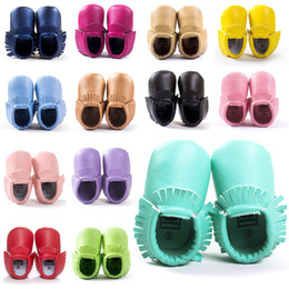 Wholesale Toddlers First Walkers - Baby First Walker Shoes moccs Baby moccasins soft sole moccasin leather Colorful Tassel prewalker booties toddlers baby tassel PU shoes