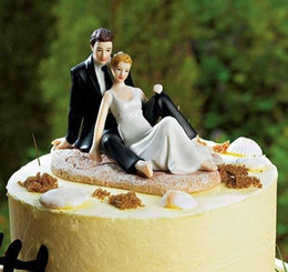 Wholesale Unique Couplings - Romantic Couple Figurine Lounging on Beach Wedding Bride & Groom Cake Topper Wedding Cake Decorations Wedding Supplies 2015 Unique Cheap